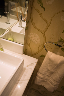 Click the thumbnails below to view gallery of this Cloakroom