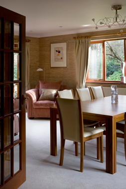 Click the thumbnails below to view gallery of this Dining Room